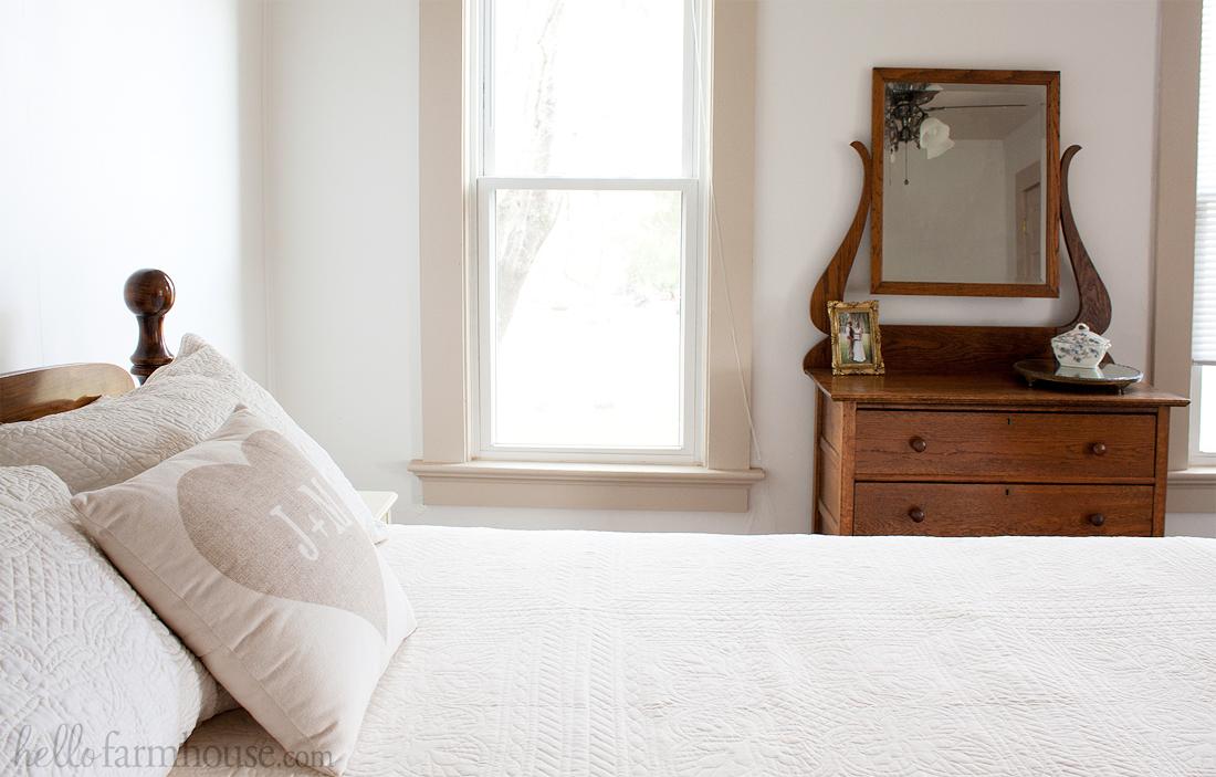 Simple farmhouse bedroom