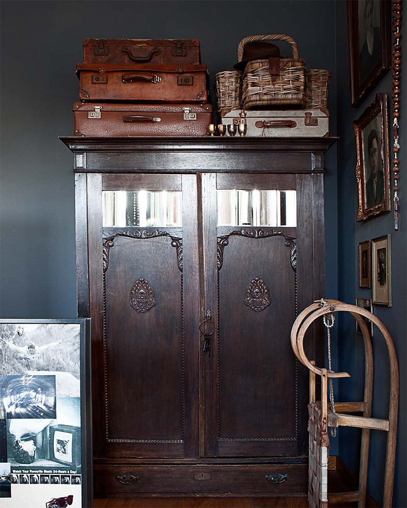 Navy inspiration for our old farmhouse