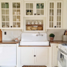 Vintage farmhouse sink