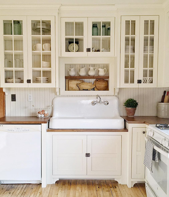 where to find a vintage style farmhouse sink hello farmhouse. Black Bedroom Furniture Sets. Home Design Ideas
