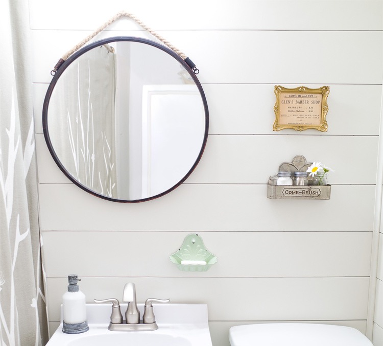 Easy farmhouse style bathroom makeover