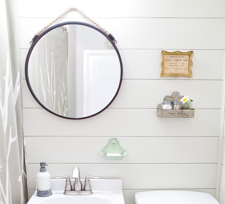 Easy farmhouse style bathroom makeover
